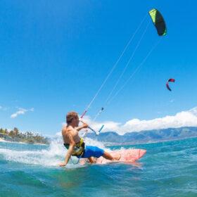Kitesurfing ferie og kursus: Til dig, der elsker fart og oplevelser på vandet